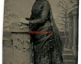 Long hair woman tintype antique photo Sutherland Sister oddity Victorian