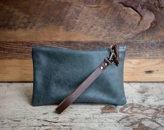 Blue Leather Zipper Clutch/ Leather Clutch Bag/ Medium Leather Bag/ Travel Organizer/ Cord Organizer/ Leather Wristlet