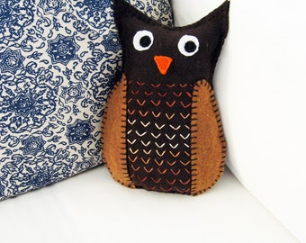 Mr. Hoot Owl jumbo softie in brown