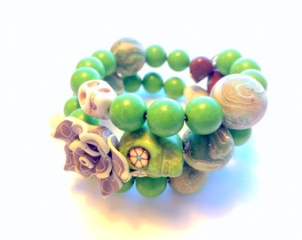 Bracelet Day of the Dead Sugar Skull and Rose Memory Wire in Earthy Green