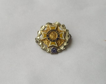 Small Vintage Sterling Silver & 10K Gold Auxiliary VFW Veterans of War Pin
