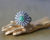 Southwestern Green Turquoise Ring, 1950's Silver Rings, Arrow Symbols, Gifts for Girls, Vintage Turquoise Ring, Sunburst Pattern Ring