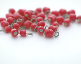 Vintage Japanese Red Glass Charm Brass Drop Beads Japan 7mm (20)