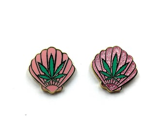 Sea Weed Lapel pin