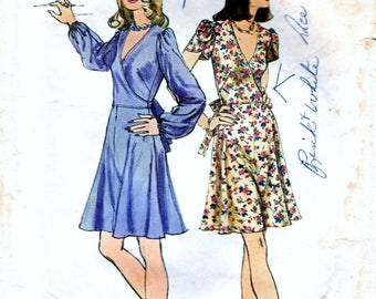 Vintage Sewing Patterns 1970s Dress Surplus Bodice Wrap Dress 70s Fashion Pattern Trending Style Retro Simplicity 6266 Pattern Bust 32 Teens