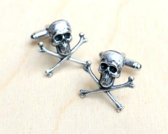 Skull Cross Bones Cuff Links Gift for Him Jolly Roger Buccaneer Pirate of the Caribbean Beach Wedding Nautical  Groom Gift Steampunk