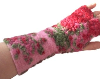 Arm Warmers in Pink with Berry Shades,  Wrist Warmers, Wool Fingerless Mittens, Wool Fingerless Gloves, Gauntlets