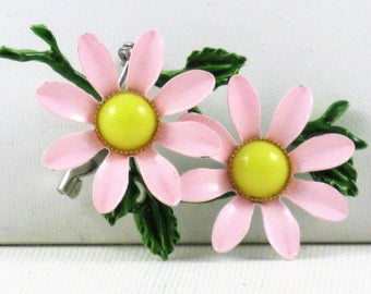Vintage Mod Pink and Yellow Enameled Flower Power Floral Brooch Pin (B-1-1)