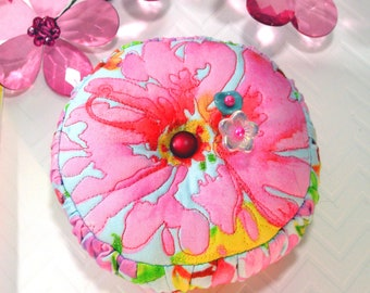 New! Pincushion, Fun FreeMotion Flower with Rushing. with Emery- Ready To Ship