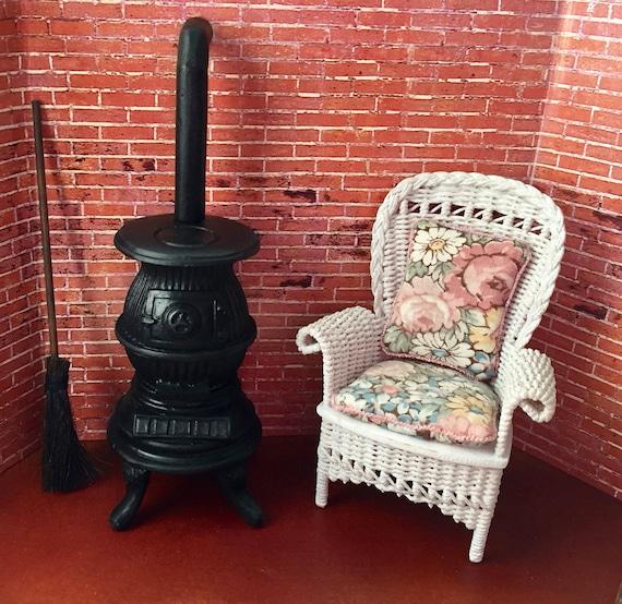 Miniature Pot Belly Stove, Black Stove, Dollhouse Miniature, 1:12 Scale, Dollhouse Kitchen, Decor, Accessory, Mini Stove