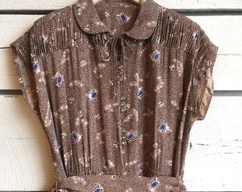 Vintage 1940s rayon dress • novelty print dress • 40s dress