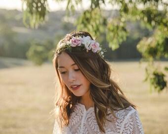 LAST ONE - wildflower blossom wedding flower crown // Wilde / bohemian floral headpiece, wedding headpiece, rustic flower hair wreath