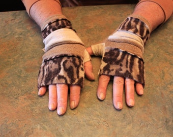 ladies one of a kind fingerless gloves