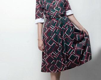 preppy 70s shirtwaist dress grey red geometric half sleeve MEDIUM M