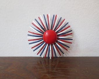 Vintage '60s Mod Red, White & Blue Enameled Starburst Daisy Pin / Brooch