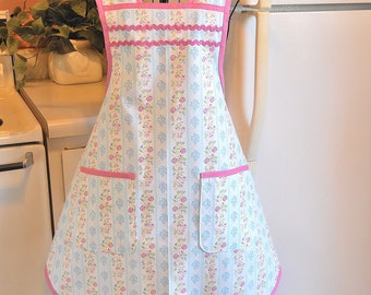 Vintage Style Women's Apron in Blue and Pink