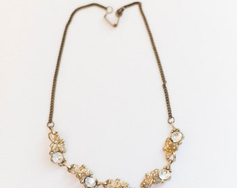 gold metal vintage 1930's diamond necklace - jewelry