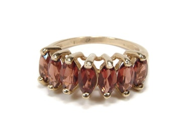 10K Gold Garnet Ring, Size 5, Yellow Gold, Estate Jewelry, January Birthstone, Gemstone Ring, Vintage Ring, 7 Garnets, January Birthday