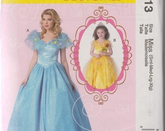 Belle Costume Sewing Pattern Adult Woman's Princess Dress Size 8-22 Bust 31.5-44 (80-112 cm) McCall's M7213