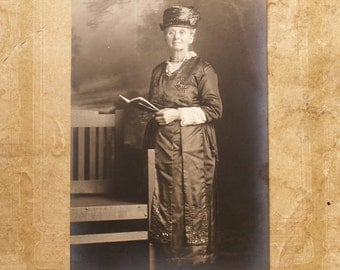 Antique Photograph Cabinet Card of Elegant Grandmother Reading a Book