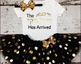 First birthday girl outfit, Princess  has arrived birthday bodysuit,Black and gold smash cake outfit,Baby girls cloding