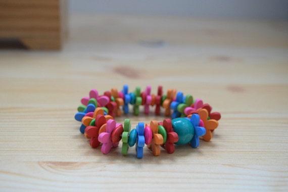 Girls bracelet, children bracelet, kids bracelet,flowers bracelet,wood bracelet,beaded bracelet,kids jewelry,girl jewelry,wooden bracelet