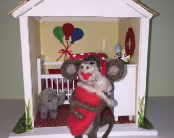 MINIATURE MONKEY MOM and Baby Needle Felted Handmade Room Box Diorama Nursery Mother and Baby