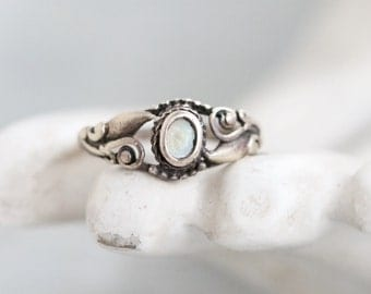 Boho Ring - Sterling Silver with Mother of Pearl - Size 9
