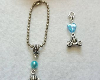 10 Zipper Pull Party Favors. Inspired by Princess Cinderella. Wand, Castle, Crown, Carriage, High Heel, Dress