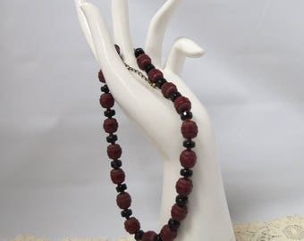 Vintage Red Black Glass Bead Necklace Barrel Beads