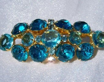 Aqua Blue Brooch Chaton Prong Set Unsigned Beauty High Fashion Stunning High End Glam Jewelry FREE SHIPPING