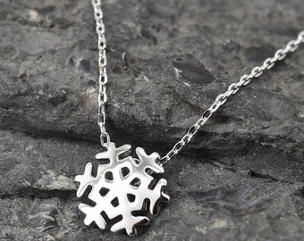 Snowflake Necklace, Snowflake Pendant, Snowflake, 925 Sterling Silver, Crystal Necklace Pendant, Bridesmaid Gift, Bridesmaid Necklace