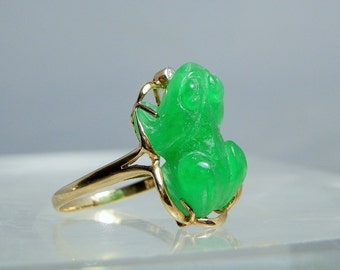 Vintage 14k Yellow Gold Carved Green Jade Frog and Diamond Ring Size 8.5 Fine Quality Jade Carving 585 Gold Setting Gift Worthy