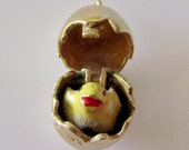 9ct Gold Egg & Chick Opening Enamel Charm
