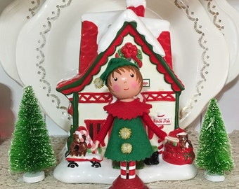 Clothespin doll/ christmas elf red and green