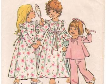 1974 - Simplicity 6685 Vintage Sewing Pattern Girl Toddler Size 3 Robe Nightgown Pajamas Top Bottoms Round Neck Ruffles Elastic Waist