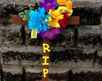 Cemetery Wooden Cross, Roadside Memorial, Silk Flowers, Grave Flowers, Cemetery And Funeral, Grave Marker, RIP