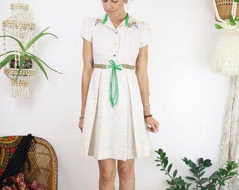 60s Mod mini dress, Petite vintage sixties embroidered mottled shirtdress, Ruth of Carolina, XS-S 4069