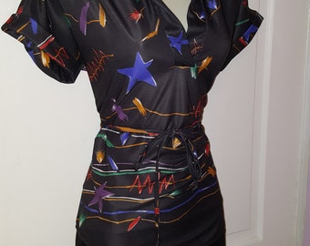 80's GEOMETRIC PRINT BLOUSE // 70's Lightweight Star Top Shirt Size s/m Retro Short Sleeve Belted