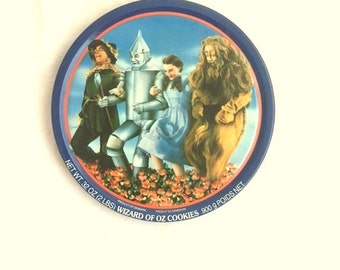 Vintage WIZARD OF OZ Metal Cookie Tin / 1989 Collectible 50th Anniversary Edition / Scarecrow Tin Man Dorothy Lion - Large Metal Container