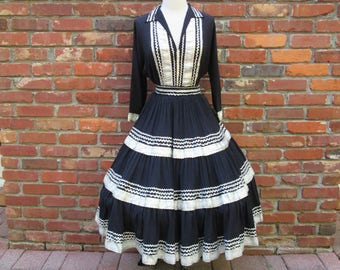 Amazing Vintage 1950s 50s Ink Black Squaw Fiesta Patio Souvenir Blouse + Circle Skirt Set Dress -Western-Cowgirl-Indian-Native-Hillbilly-VLV