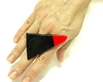Coctail ring, ceramic statement adjustable black red triangle ring, big ring, large black ring, handmade boho ring, art to wear jewelry
