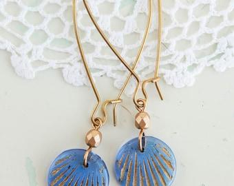 Vintage czech glass earrings / czech glass beads / vintage earrings / beaded dangle earrings / recycled earrings / upcycled earrings