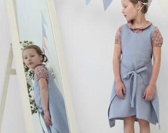Girls apron dress Natural linen dress Toddler girls dress Girls clothes Family photo Beach dress Girls apron