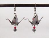 Origami birds earrings * MOYO * Jewelry . Crane . Paperbird . Paper . Washi . Red .  Flowers . Animal . Japan . Fold