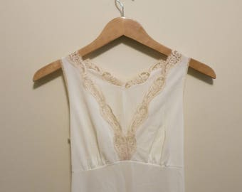 Lingerie gown white ivory lace slip 1960s glamour crepe Mistee thigh slit S