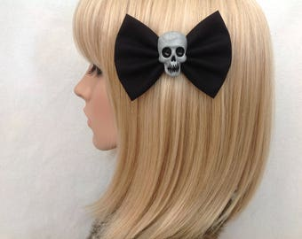 Black skull hair bow clip rockabilly psychobilly gothic sugar day of the dead Lolita silver rock punk pin up girl cute vintage fabric girls