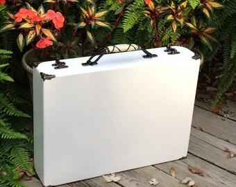 Shiny White case