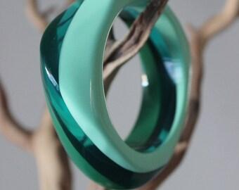Chunky big green jello parfait swirl lucite mod cuff bangle bracelet