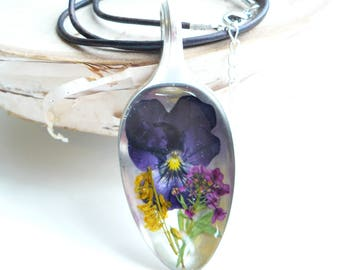 Spoon Pendant, Resin jewelry, Pansy in Resin, Vintage Spoon, Upcycled Necklace, Gift for Gardeners, Preserved Botanicals, Queen Annes Lace